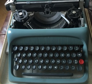 cropped-Typewriter.jpg